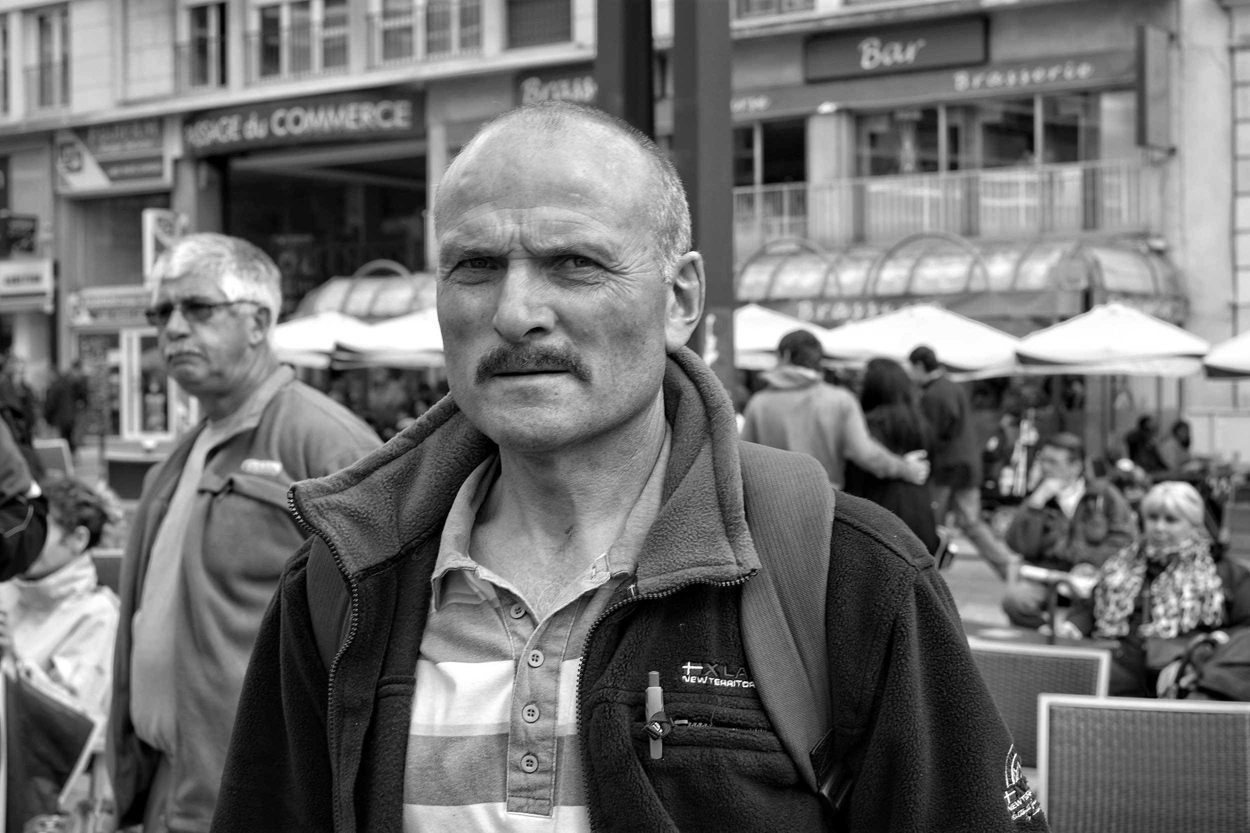 Man walking in Le Mans - Fuji X-Pro1