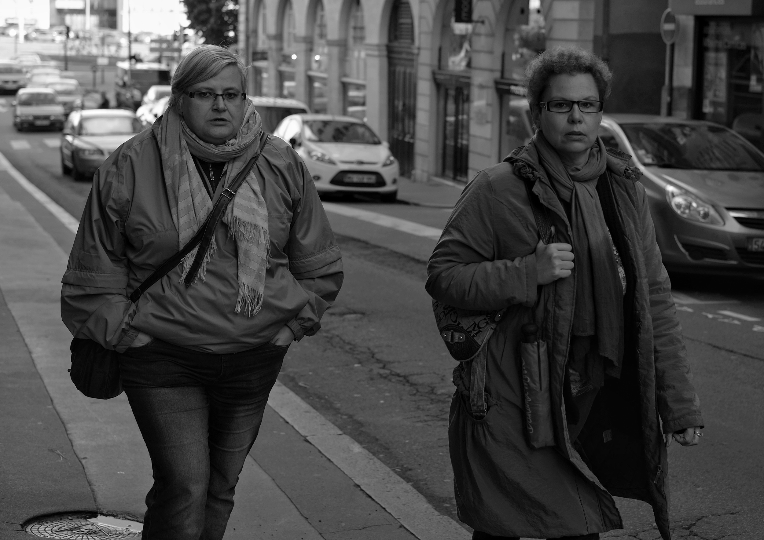 Women walking in Nantes - Fuji X-Pro1