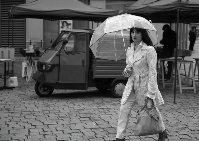 Woman walking with umbrella in Nantes - Fuji X-Pro1