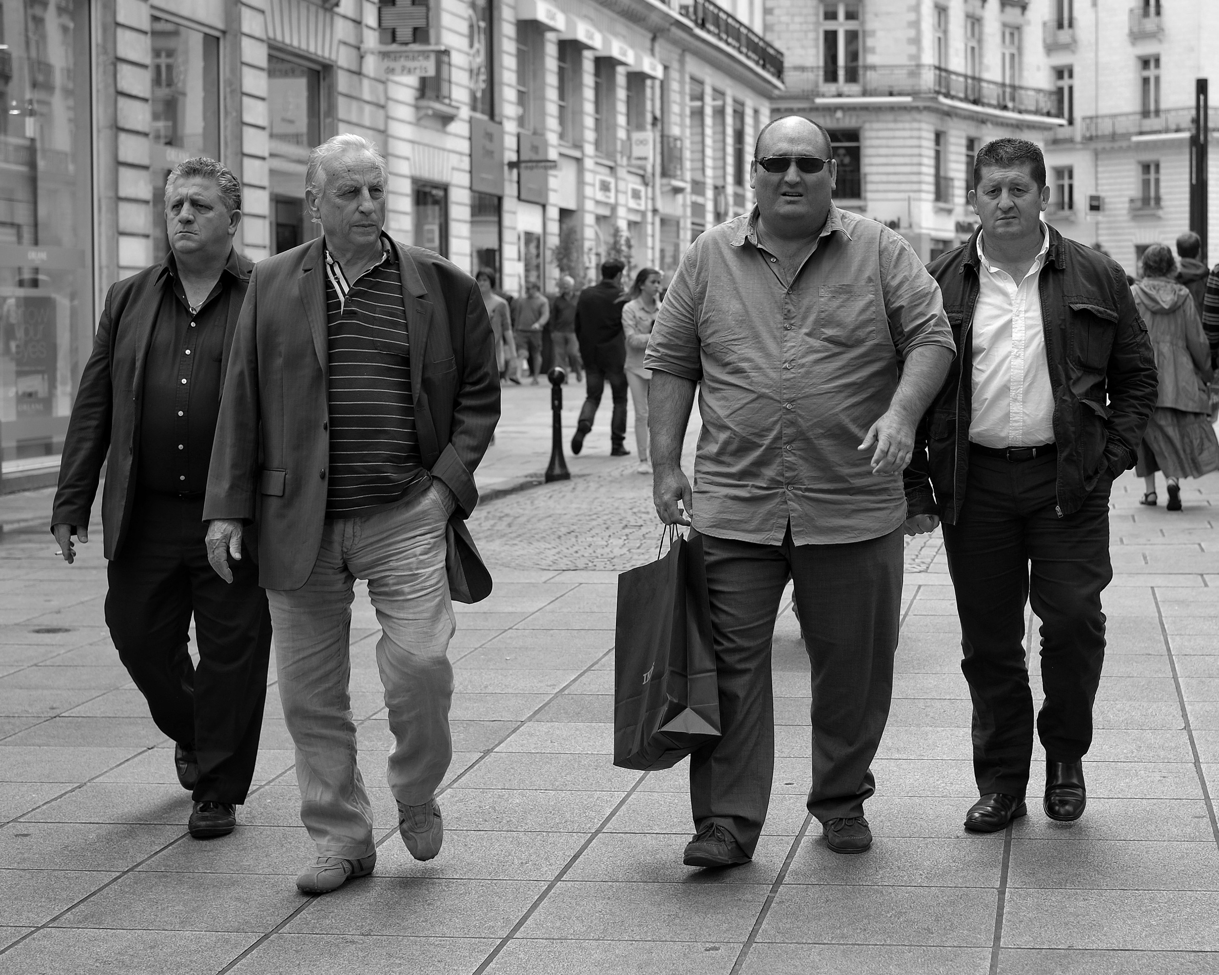 Mafia men walking in Nantes - Fuji X-Pro1